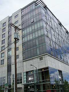 Edge Lofts, The